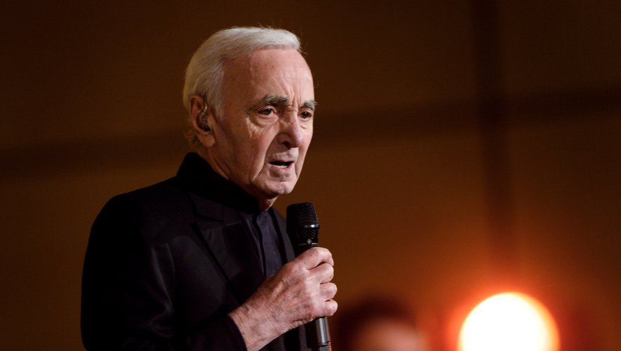 Charles Aznavour est en tête des ventes d'albums de la Fnac.