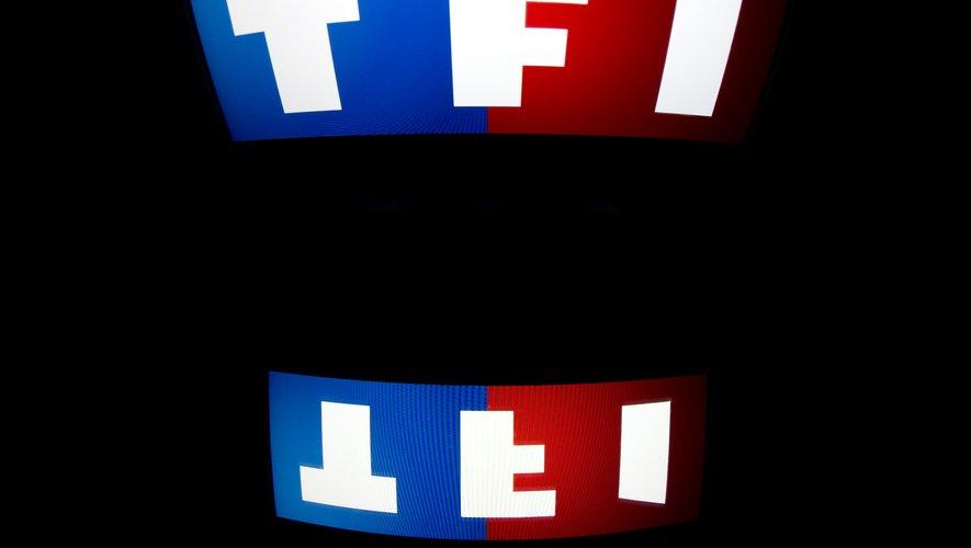 Les concurrents TF1, France Télévisions et M6 multiplient les alliances dans la guerre contre les géants de l'internet, sans garantie de rattraper leur retard.