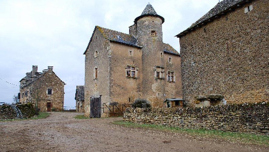 Aveyron : Flars, ancien fief de la noblesse de chevalerie