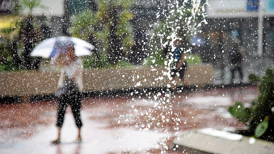 Quelques gouttes de pluie voire de neige devraient tomber en Aveyron le week-end prochain.