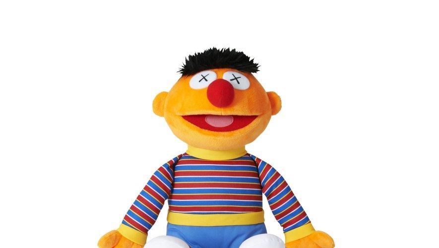"""Les personnages de """"Sesame Street"""" sont au centre d'une collection signée Kaws et Uniqlo."""