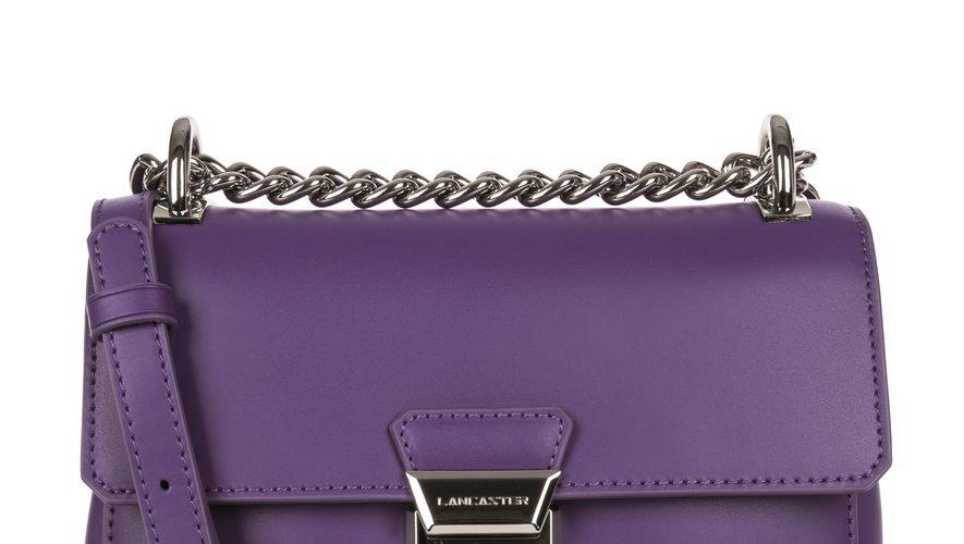 Le sac trotteur Tina de Lancaster - Prix : 169€ - Site : www.lancaster.com.