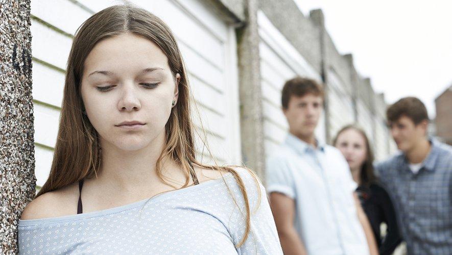 Les enfants ayant vécu des violences peuvent connaître un développement biologique précoce.