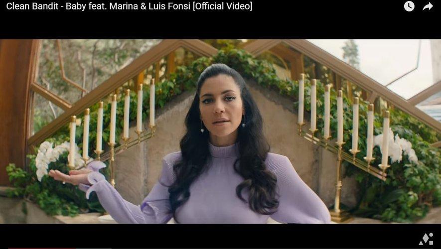 """Le nouveau clip de """"Clean Bandit"""" avec Marina & Luis Fonsi."""