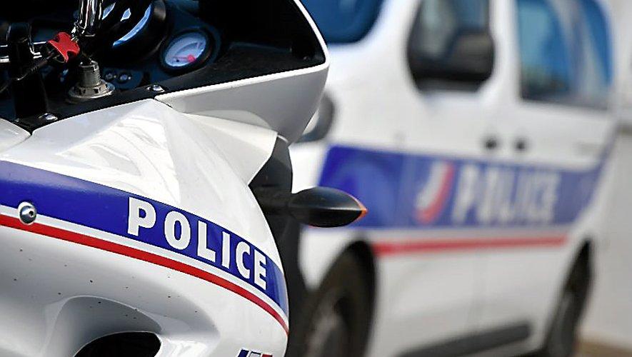 Douze effectifs de police travaillent sur ce dossier depuis samedi soir.