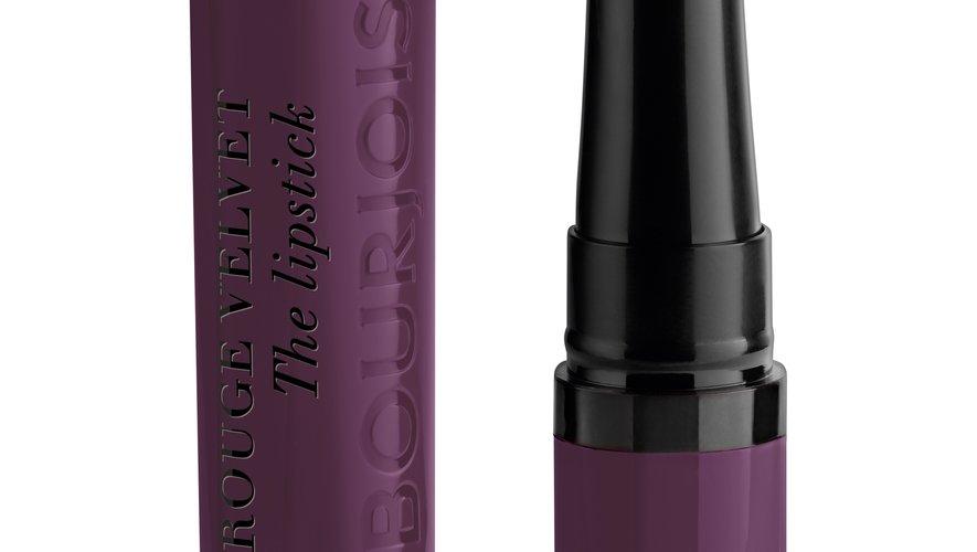 Le Rouge Velvet The Lipstick de Bourjois - Prix : 13,99€ - Site : www.bourjois.fr.