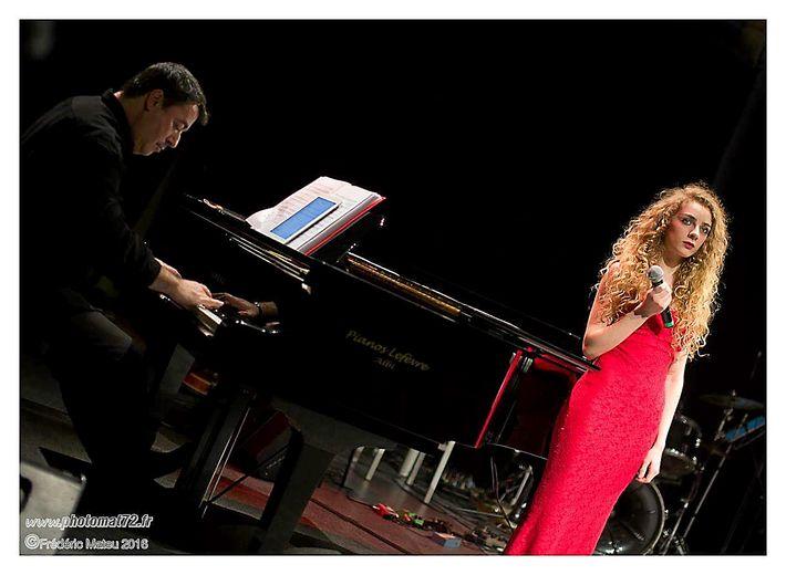 Natacha Luche est originaire de Saint-Geniez, et était présente lors de la première édition où elle avait rencontré un grand succès auprès du public grâce à un talent vocal rare (une étonnante présence dans le grave comme dans l'aigu),qui lui permet d'aborder des chansons compliquées techniquement. Elle affectionne le registre jazz, blues, soul, genres dans lesquels elle fait merveille et vous transporte. Elle sera accompagnée au piano par son frère Kevin.