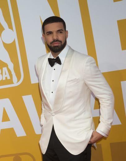 Drake lors des NBA Awards à Basketball City, le 26 juin 2017 à New York.