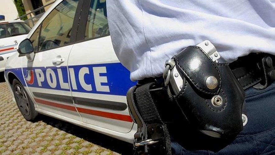 Les policiers ont interpellé cinq mineurs.