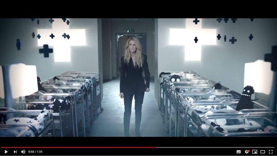Céline Dion s'associe à la marque Nununu pour lancer une marque de vêtements non-genrés pour les enfants.