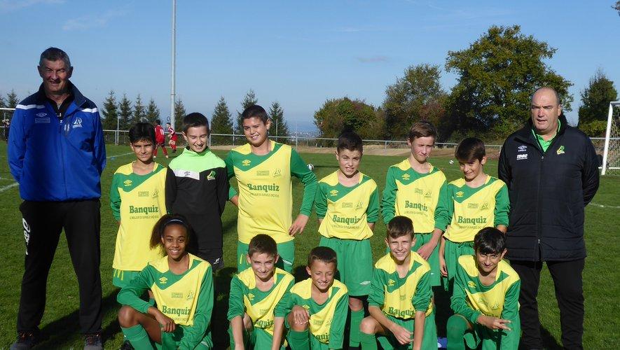 L'équipe I des U13 encadrée par Serge Barnier et Laurent Izard.