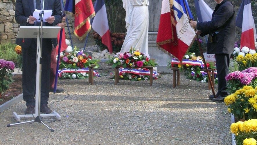 Cérémonie du 11 novembre dans le nouveau square.