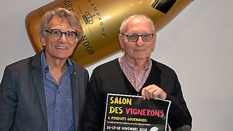 Jean Duhamelet et Guy  de Roquetaillade à pied d'œuvre.