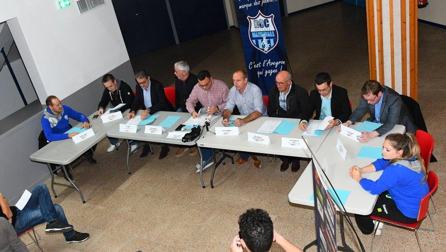 Présidents, entraîneurs, capitaines ainsi que partenaires privés et publics étaient de la conférence de presse mercredi soir à l'Amphithéâtre.