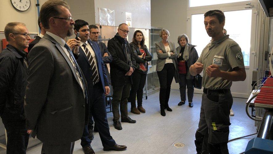 Élus et officiels ont visité la SNAM à Viviez.