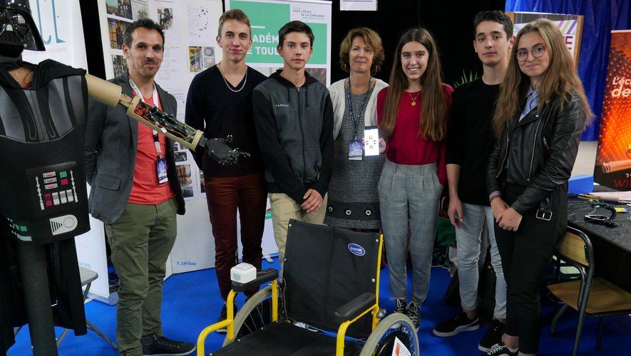 Les collégiens espalionnais ont présenté leur invention : un fauteuil roulant connecté à un smartphone