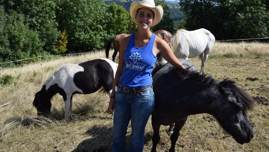 Mylène, au milieu de paint horse et d'appalousa, respire le bonheur dans son ranch.