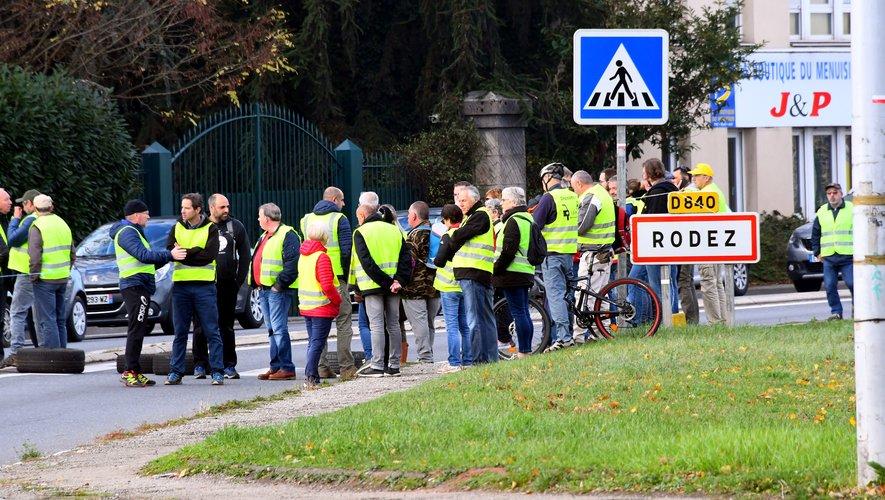 Les ronds-ponts ont été bloqués aux abords de Rodez.