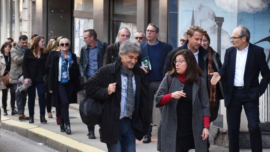 La visite du chantier de la rue Cayrade guidée par le maire François Marty.