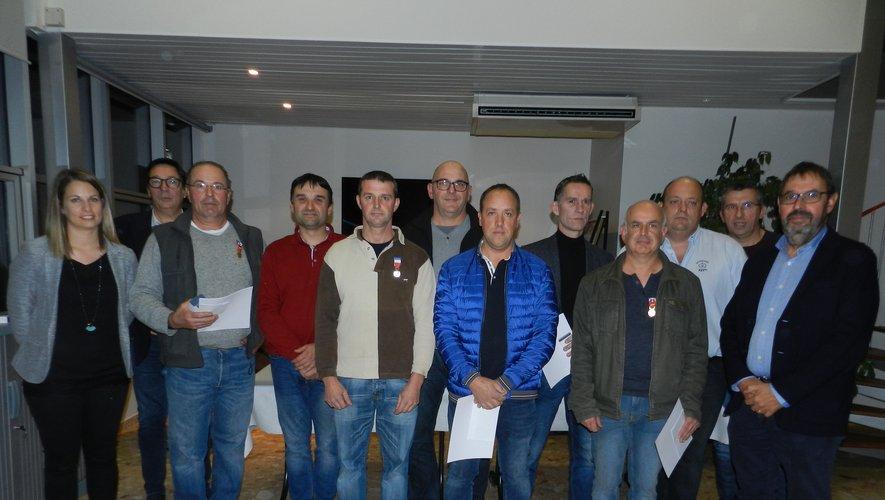 Christian Castes (à droite) a souligné la fidélité de ses salariés, avant de remettre la Médaille du travail à sept d'entre eux.