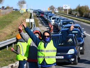 Gilets jaunes : les blocages continueront ce mercredi