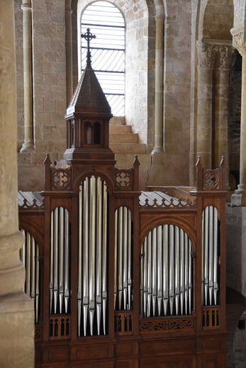 Fête de la Sainte Cécile, patronne des musiciens, orgue à l'abbatiale, puis musique traditionnelle dans la salle de l'abbaye.
