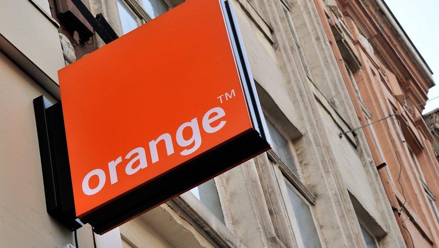L'opérateur historique Orange va recruter 200 techniciens spécialisés dans le réseau cuivré et revoir son organisation afin de répondre aux critiques de l'Autorité de régulation des télécoms.
