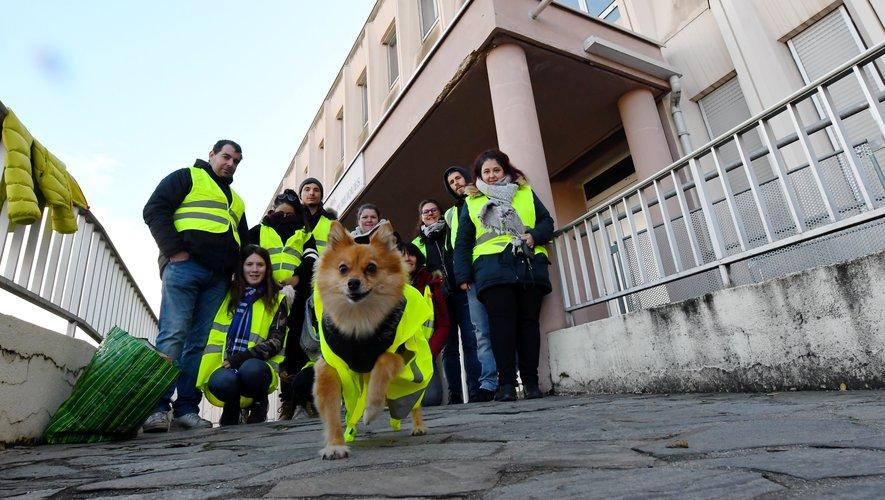 Les gilets jaunes devraient se retrouver devant la préfecture en début d'après-midi.