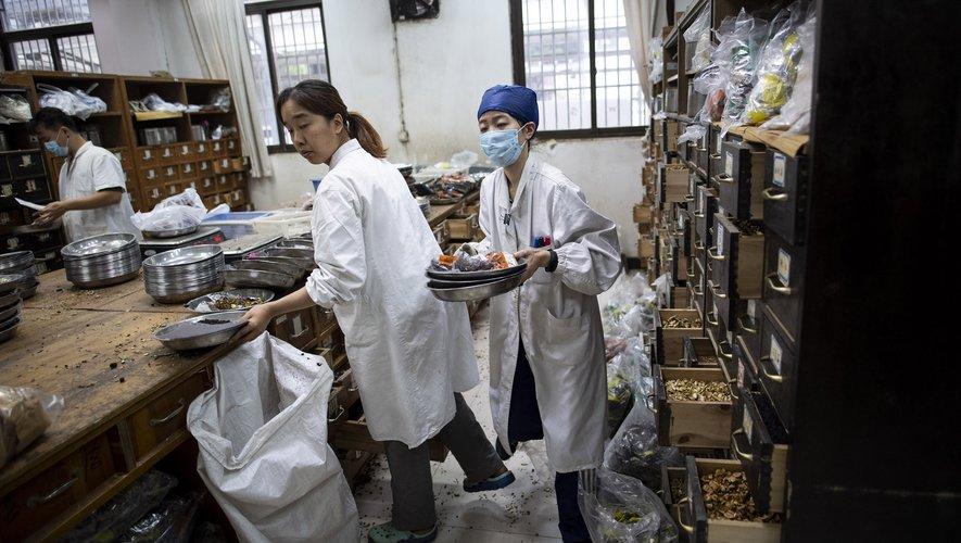 La pharmacie de l'hôpital Yueyang, à Shanghai