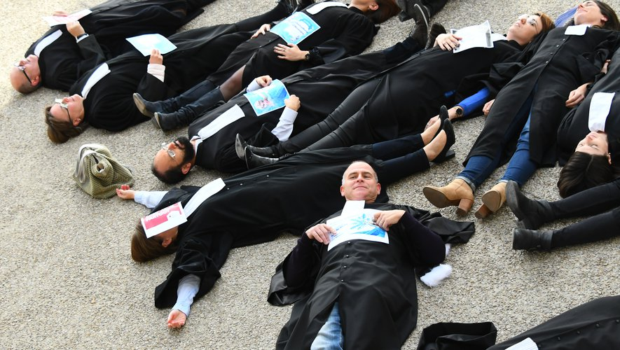 La manifestation des avocats aveyronnais, jeudi à Rodez