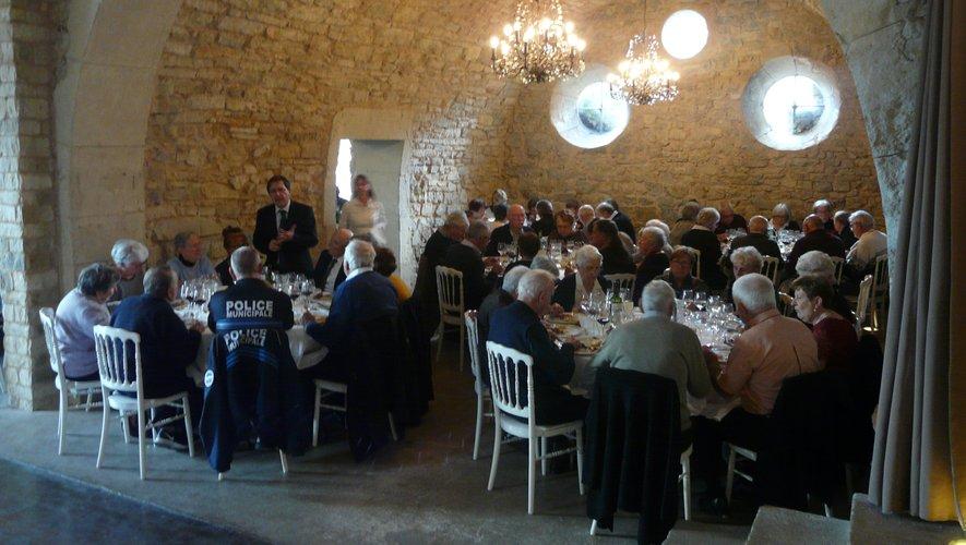 Les aînés ont été invités tour à tour à l'Hostellerie Fontanges pour le traditionnel repas de fin d'année