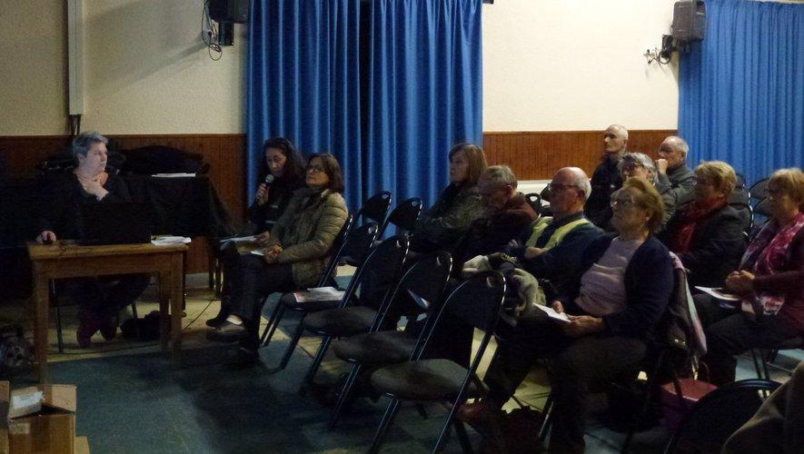 Cristelle Médine, Mireille Allemand et des élus ont animé la réunion.