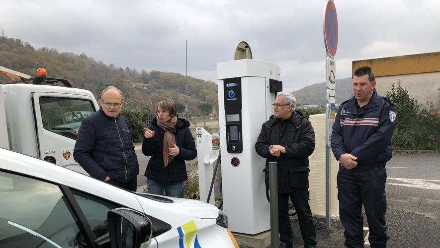 Les élus de la ville ont assisté cette semaine à une démonstration de recharge de véhicule.