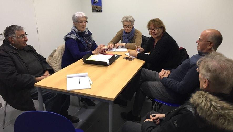 L'équipe du syndicat d'initiative peaufine les ultimes détails du marché de Saint-Nicolas.