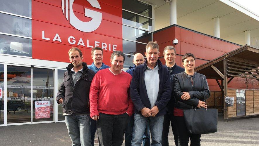 Les représentants de la section bovins lait de la FDSEA ont rencontré le directeur de Géant casino d'Onet-le-Château ce vendredi 23 novembre.