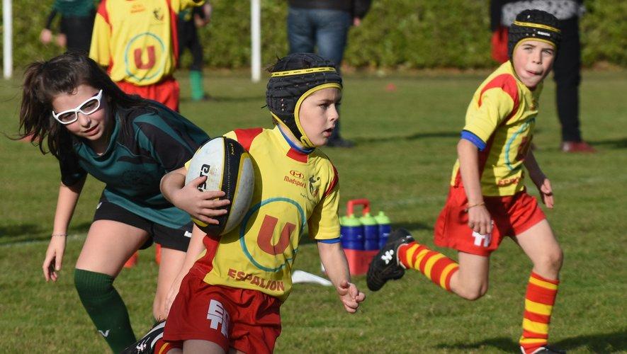 Samedi après-midi l'école de rugby préparait la relève à  Perse.