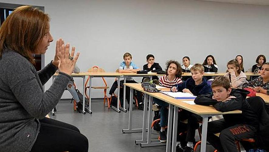 Florence Al Aswad a partagé avec les élèves du collège Fabre son expérience professionnelle dans les pays à risque.