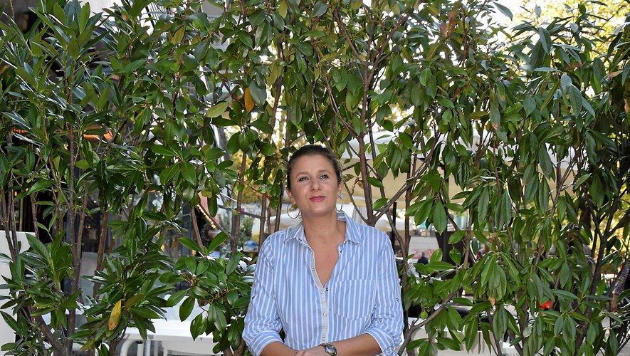 Alors qu'elle soufflera ses quarante bougies dans quelques jours, Véronique Chantegrelet, née à Paris mais qui a grandi à Rodez, est à la tête du restaurant « Le café de Pauline » depuis 2005 dans le quartier de Bercy.
