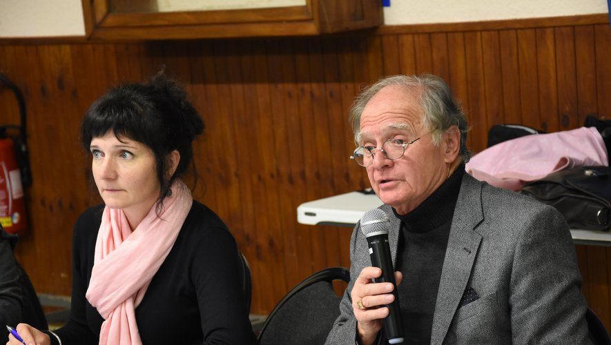 Le président J.-M. Lalle aux côtés de Mme Molinier, directrice générale des services.