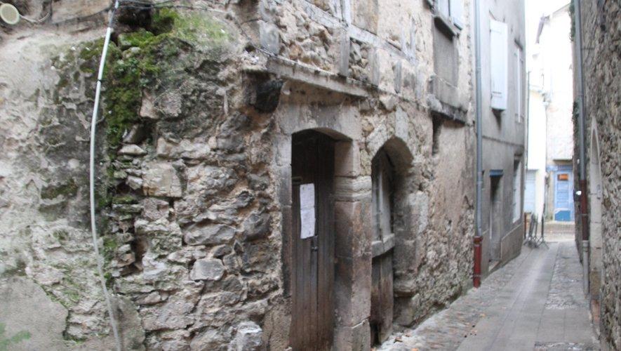 Les immeubles concernés se trouvent rue Bastide , rue Courbe, rue de la Filasse, toutes les trois perpendiculaires aux rues Alibert et Belle-Isle et rue des Bannes.