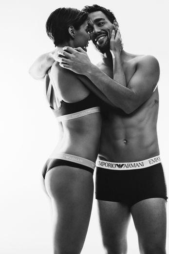 Fabio Fognini et sa femme Flavia Pennetta prennent la pose pour Emporio Armani Underwear.
