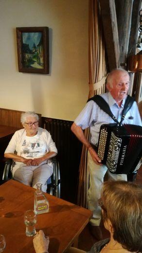 L'Auberge du Dourdou a résonné des airs d'accordéon.