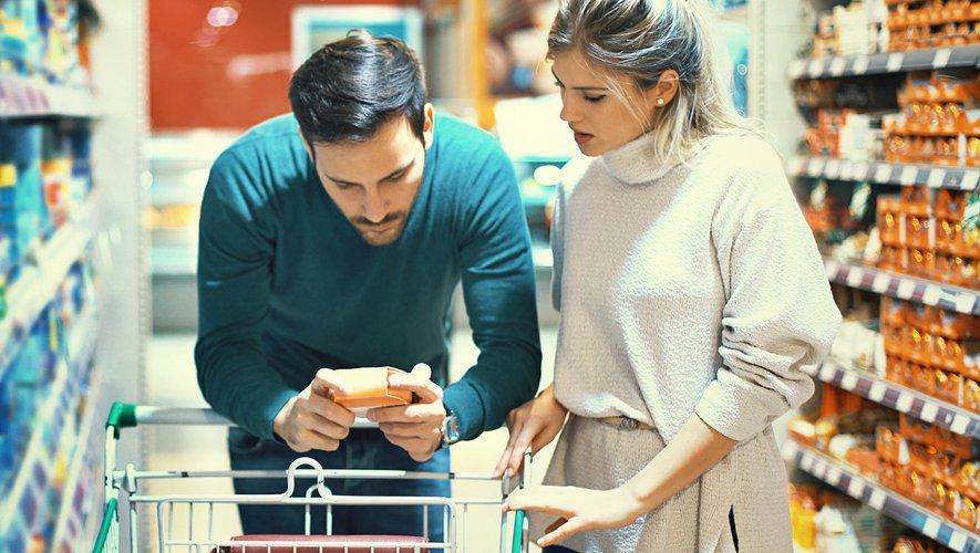 GENERIC: Alimentation, Food, couple, supermarket, supermarché, Consommation