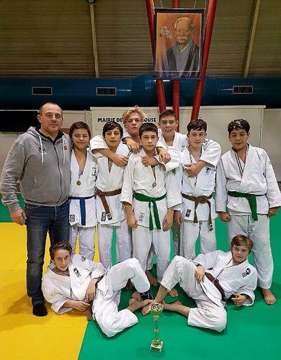 Calendrier Judo Occitanie.Challenge Par Equipes Les Minimes Ruthenois Rois D