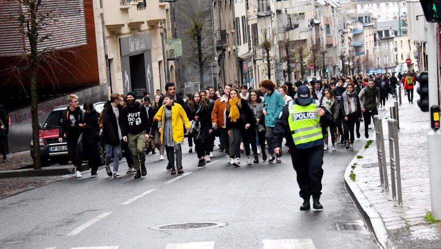 Ce vendredi matin, rue Béteille à Rodez. Le mouvement est prévu pour durer la journée.