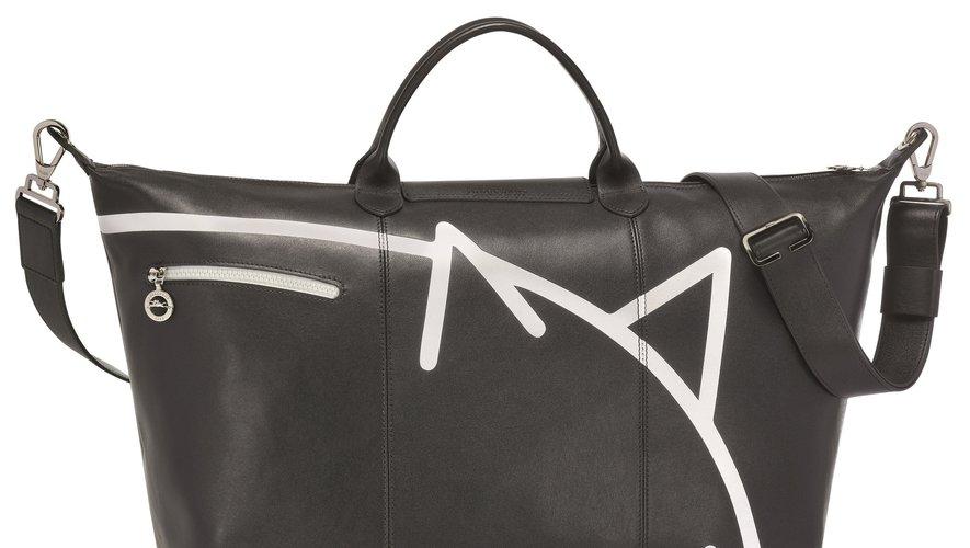 Le sac de voyage Le Pliage Cuir de Longchamp réinterprété par Mr. Bags pour le Nouvel An chinois 2019.