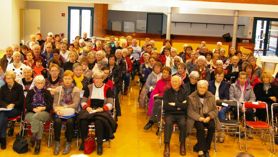 Les adhérents étaient nombreux pour la réunion qui s'est clôturée  par un repas.