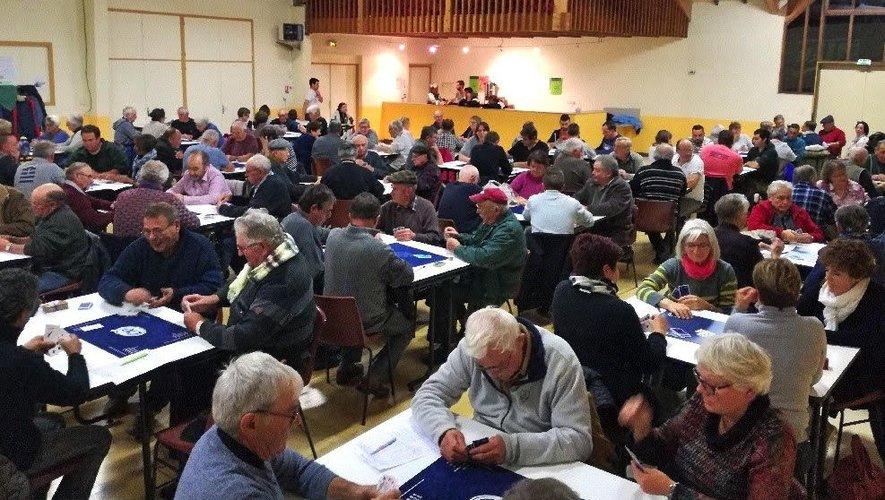 Le concours de belote a réuni  60 équipes.