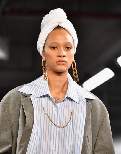 Un mannequin du défilé automne 2019 d'Alexander Wang, le 1er décembre 2018 à New York.