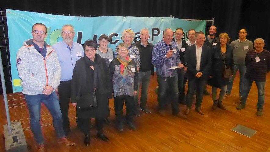 Les élus et les responsables de l'Acal autour du président Serge Izard.